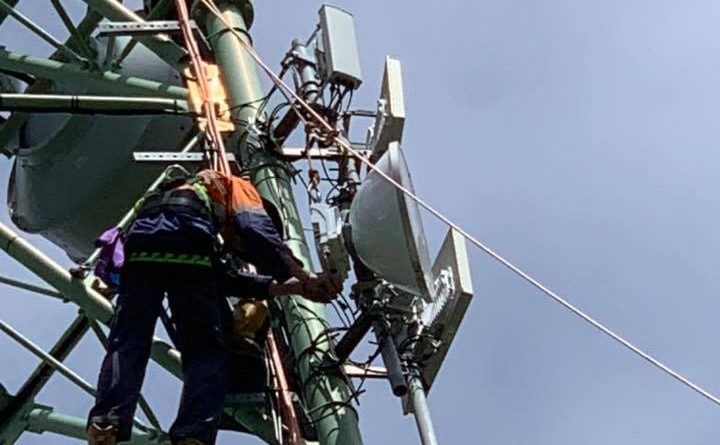 Within 4 days of the outage, we had orgainised tower climbs and replacement radios to be installed.
